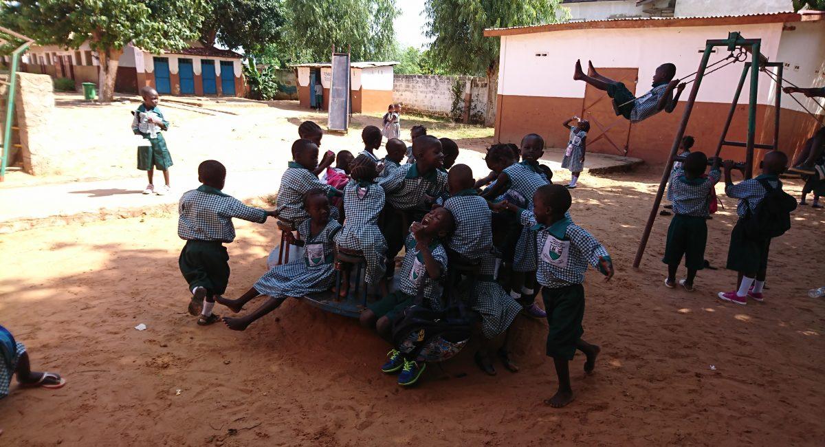 Spielplatzstunden der Nursery